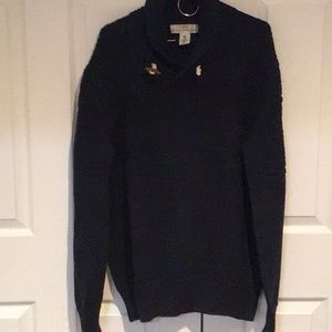 Sweater with toggle